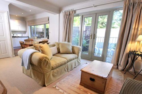 Rosevine- Caerhays Apartment Image 1