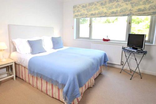Rosevine- Caerhays Apartment Image 10