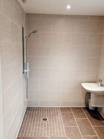Dairymans cottage shower room