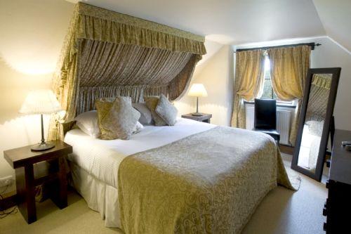 Tansy Upstairs En-suite Bedroom