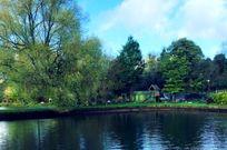 Cotswold Lake House Image 21