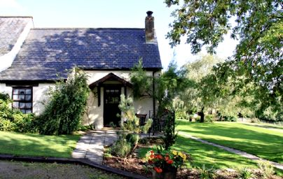 Family Friendly Holidays at Clydey Cottages - Snowdrop Cottage