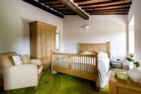 Double bedroom with en-suite bathroom & air con