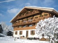 Sky Chalet Whole Rental Image 10