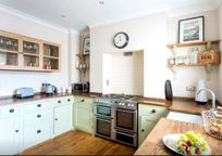 Mumbles Cottage Image 4