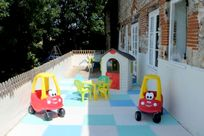 The gated play area is a favourite with little tots.
