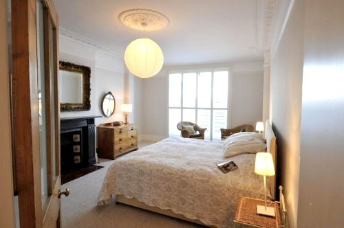Spacious twin or super king bedroom, tastefully furnished for a relaxing atmosphere