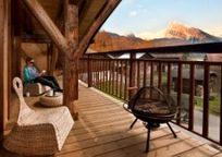 Sky Chalet - Family Suite Image 3