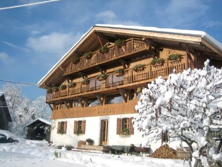 Sky Chalet - Family Suite Image 8