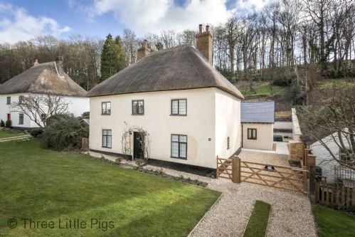 Three Little Pigs Luxury Cottage Image 2