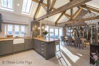 Three Little Pigs Luxury Cottage Image 3
