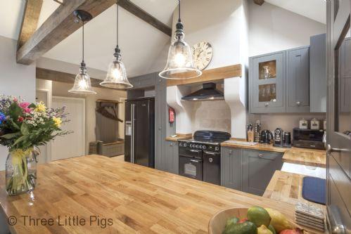 Three Little Pigs Luxury Cottage Image 5