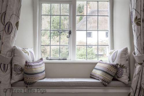 Three Little Pigs Luxury Cottage Image 1