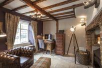 Three Little Pigs Luxury Cottage Image 9