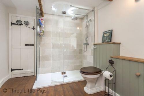 Three Little Pigs Luxury Cottage Image 14