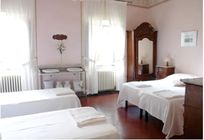 Villa Pia - Family Room for 4  Image 3