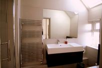 Main bedroom ensuite with large walk-in shower & wc