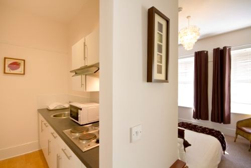 Guesthouse East- Suite 3 Image 3