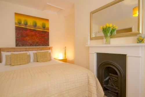Guesthouse East- Suite 5 Image 3
