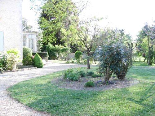 Manoir du Moulin - Gardenia Suite Image 7