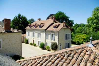 Family Friendly Holidays at Manoir du Moulin - Gardenia Suite