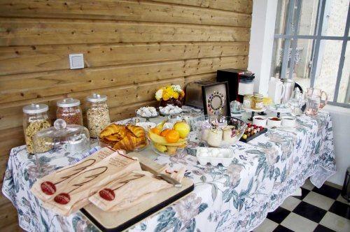 Manoir du Moulin - Maple Family Room  Image 2