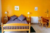 Studio bedroom with en suite bathroom and kichenette