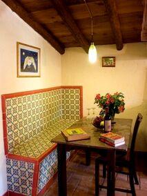 El Buho dining area