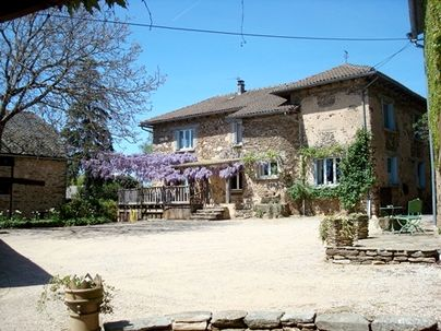 Family Friendly Holidays at Les Chataigniers Farmhouse