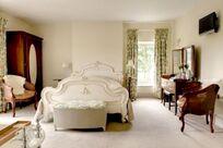 Six double ensuite bedrooms