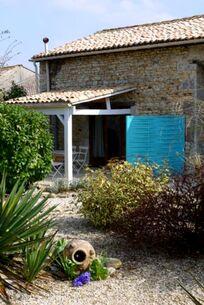 La Maison Bleue - La Fleur Image 14