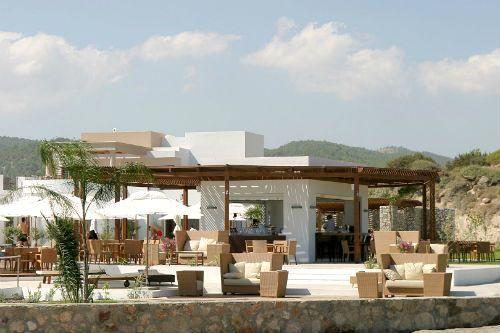 Lindian Village - Mediterraneo Family Room Image 2