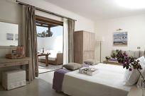Lindian Village - Mediterraneo Family Room Image 17