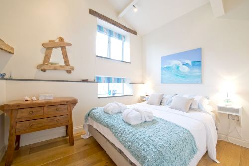 Bedroom featuring adjustable kingsize memory foam bed