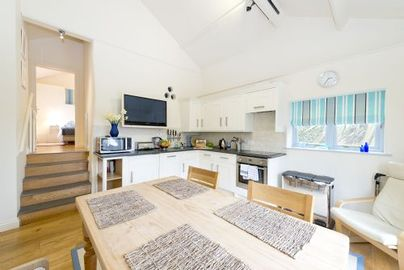 Family Friendly Holidays at Bude Farm Cottages - Cameo