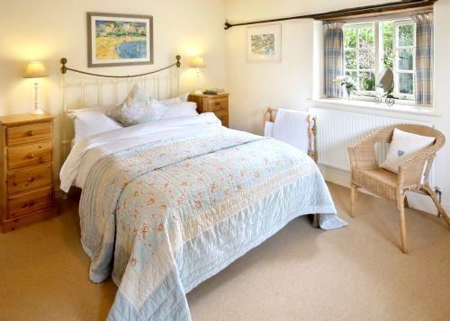 Mill House (Sleeps 4 + Cot) Image 3