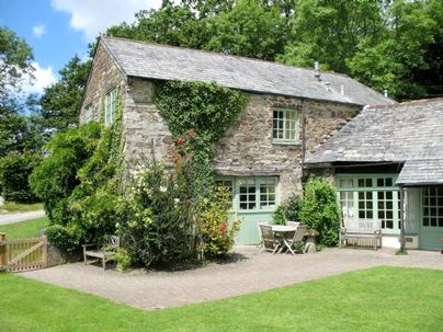 Family Friendly Holidays at Glynn Barton Cottages - Grooms (Sleeps 4 + Cot)