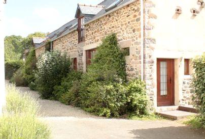 Family Friendly Holidays at Emerald Coast Gites - No.4, La Vieille Grange - 2 bedroom gite sleeping 4