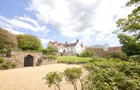 Tapnell Manor Image 1