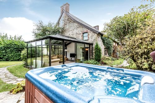 Private Hot Tub For The Farmhouse