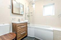 Myrddin bathroom with underfloor heating