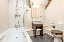 Honeysuckle bathroom with underfloor heating