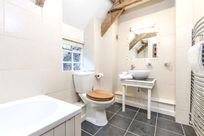 Bramble bathroom with underfloor heating