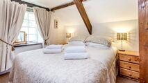 Foxglove upstairs bedroom