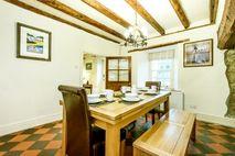Ty Hen dining room