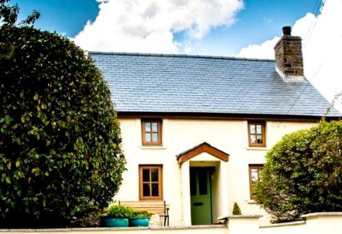 Gellideg Cottage Image 1