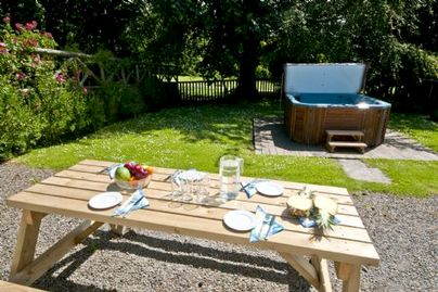 Family Friendly Holidays at Broomhill Manor Country Estate - Woodlark