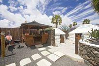 Eco Twin Yurt entrance