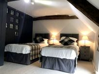 Yew Tree Cottage Image 3
