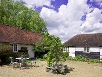 Stable Cottage - Hamptons Farmhouse Image 4